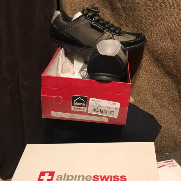 Alpine Swiss Shoes | New With Box Size